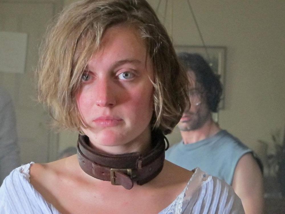Schiavizzata, stuprata e torturata con regolare contratto (1/5)