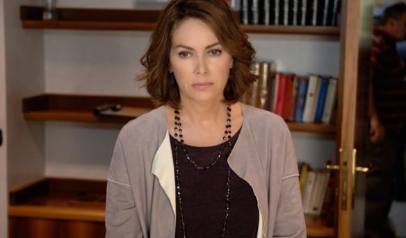 Elena Sofia Ricci è Adriana Zanardi