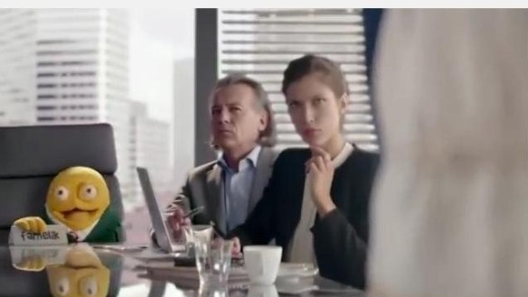 Danio snack perch le donne negli spot fanno solo sesso orale se telecomando - Sesso sotto il tavolo ...