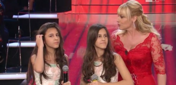 Antonella Clerici e le gemelle Scarpari
