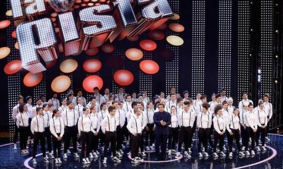 Gli 80 ballerini de La Pista