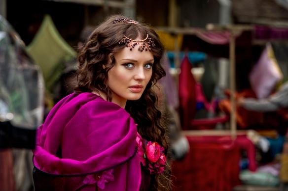 Lucrezia Donati (Laura Haddock)