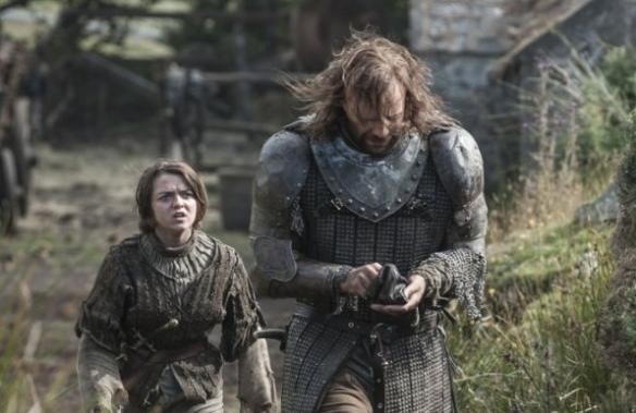 """Arya insulta Il Mastino: """"sei la peggiore merda dei Sette Regni"""""""