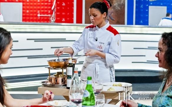 Laura cucina il Filetto in sala