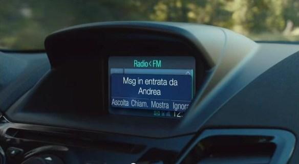 L'sms di Andrea sul display