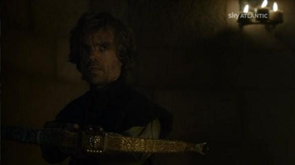 Tyrion punta la balestra contro il padre