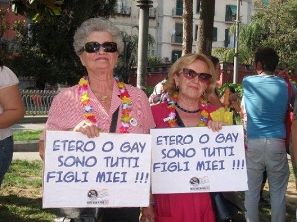 Due dolcissime signore al Pride di Napoli 2012