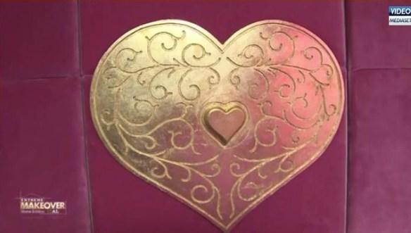 """Il """"progetto segreto"""" della Marcuzzi: un'orribile cassaforte a forma di cuore"""