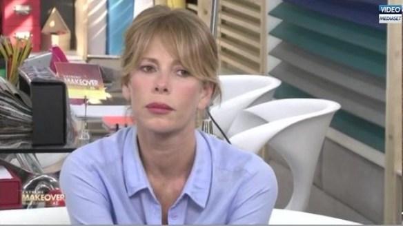 Alessia Marcuzzi ben truccata da donna commossa