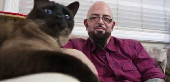 "Jackson con un gatto ""indemoniato"""