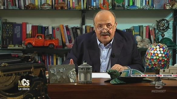 Maurizio Costanzo introduce gli spezzoni