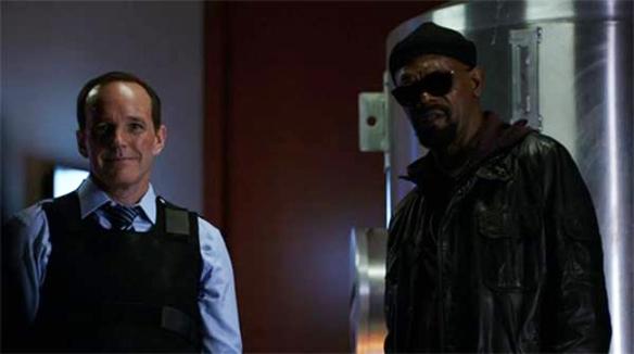 Coulson e Fury affrontano Garrett