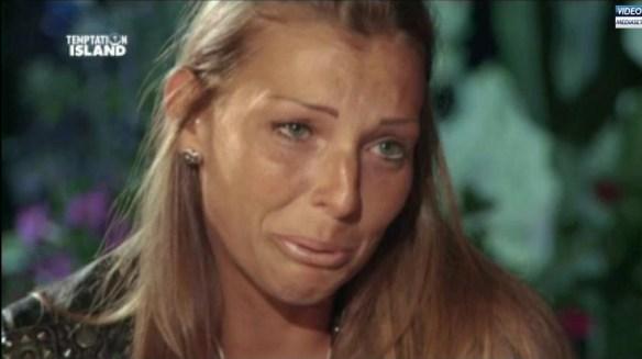 Tara piange felice