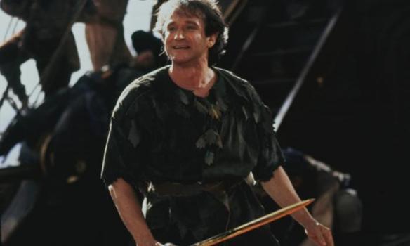 Robin Williams nei panni di Peter Pan