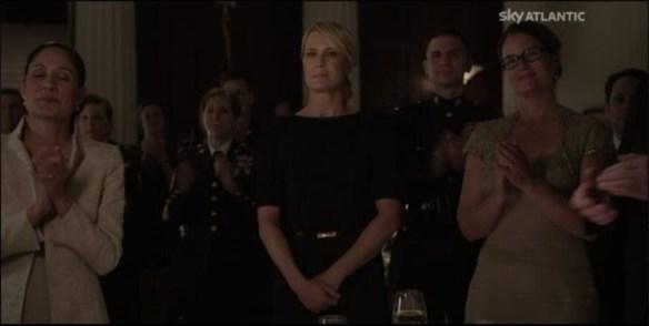 Claire assiste alla premiazion di