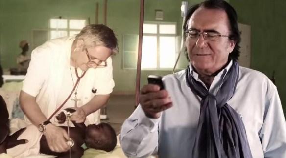 Al Bano, tutto felice, manda sms