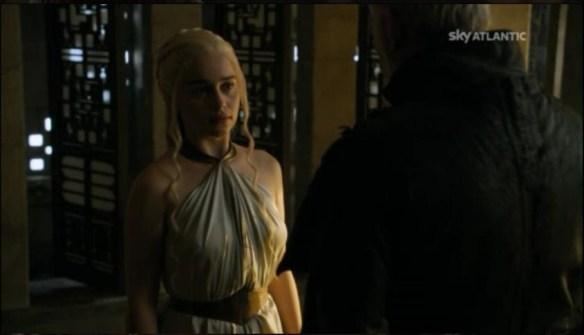 Ser Barristan confessa a Daenerys la verità sul Re Folle
