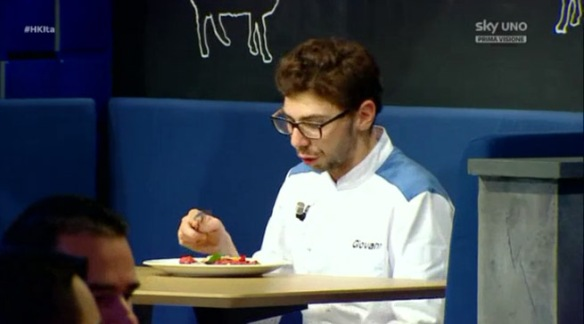 Giovanni mangia il carpaccio
